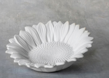 Bisque Small Sunflower Dish 6 x 6 x 1.5inch