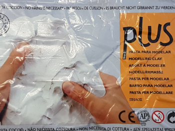 Plus White Modelling Clay 250g